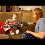 Rocksmith: il bimbo rockstar che suona la chitarra [Video]