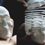 Il teschio 3D stampato come se fosse una molla