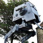 Una replica alta quasi 5 metri di un AT-ST Scout Walker