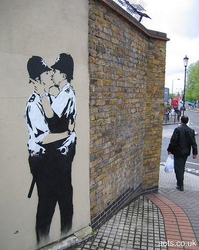 banksy-cops
