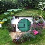 Una casetta da hobbit per il giardino