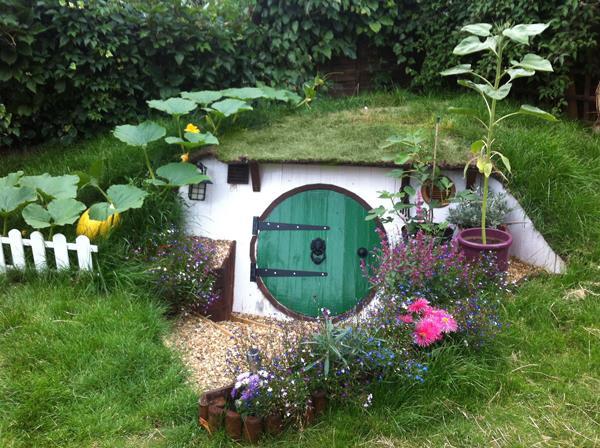 casa-hobbit-giardino