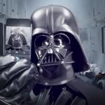 Star Wars inaugura il profilo Instagram con un selfie di Darth Vader