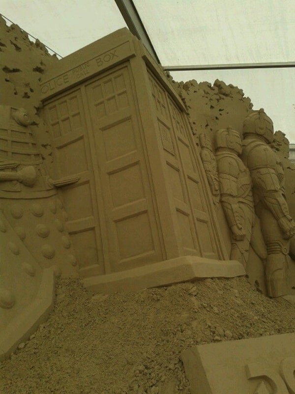 doctor-who-spiaggia3