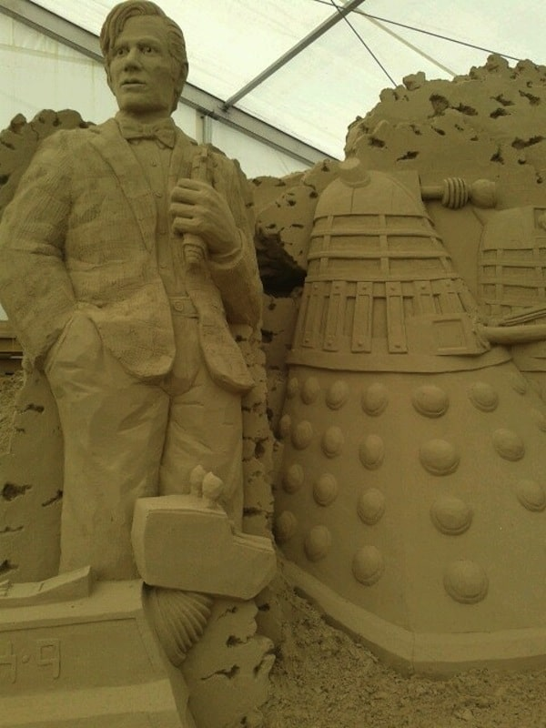 doctor-who-spiaggia4