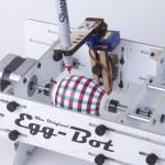 Egg-Bot, il robot decora uova