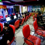 Il gamer che vive da 6 anni in un internet café