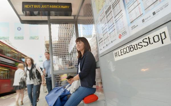lego-bus-stop-3