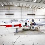 Un replica a grandezza naturale di un LEGO X-Wing