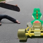Yoshi da una street art di Mario Kart a un video
