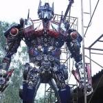 Impressionante replica metallica di Optimus Prime