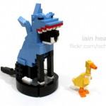 Roomba, il gatto, lo squalo e LEGO