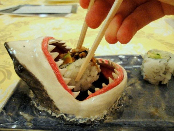 shark_sushi_plate_by_aviceramics-d5tbioi