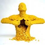 L'artista che crea capolavori con i mattoncini LEGO